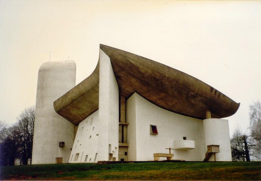 ILLUSIONISM IN ARCHITECTURE